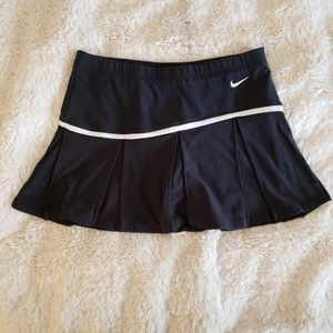 Nike Dri-Fit Black Tennis Skorts - Small